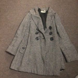Stripped bow coat